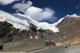 On the road to Lhasa - BMW Motorrad AsiaTours
