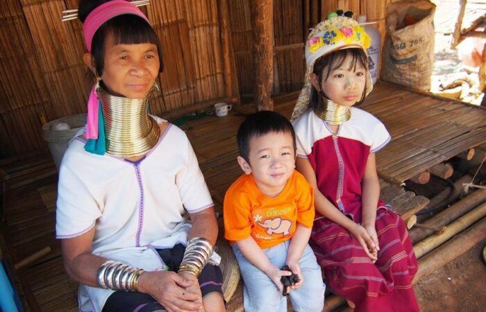 Long-neck Karen people, Mae Hong Son motorcycle tour