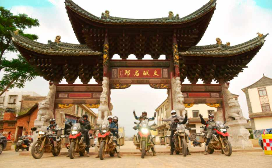 Temple visit - Motorcycle tour group